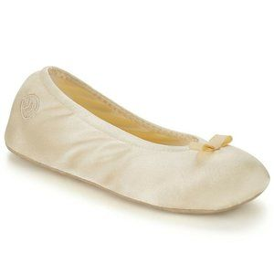 Isotoner Medium 6.5-7.5 Satin Ballerina Slippers